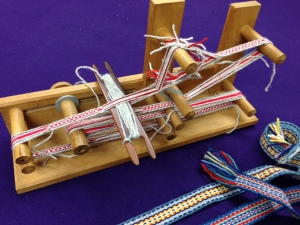 inkle loom with barrettes